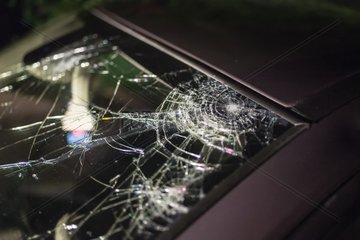 Windshield cracked by hail 10 centimeters - France