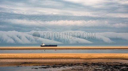 Arcus tabular and tanker - Gironde estuary France