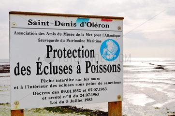 Protection panel to Fish traps - Oleron Island France