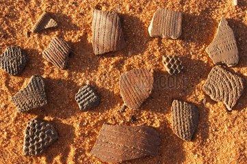 Tessons de céramique touareg préhistorique Sahara Algérie