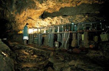 Grotte-laboratoire d'Aulignac destinée à l'étude des Protées