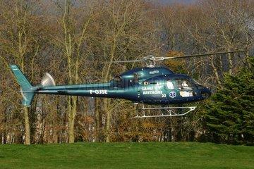 Hélicoptère de transport sanitaire à l'atterrissage France