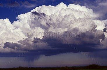 Nuage d'orage à propagation rétrograde dans le Gers