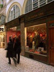 Boutique de mode  passage Choiseul. 2 ème arrondissement