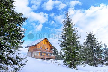Traditional chalet  Real estate in ski and winter sports resorts in mountain areas  La Pierre Saint Martin ski resort  Arette commune (64)  Pyrenees  France