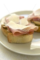 Bruschetta with mushrooms and ham France