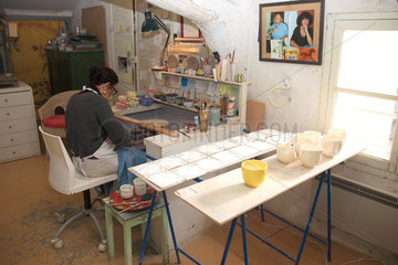 Painting workshop with a potter  Martine Gilles and Jaap Wieman  Brantes village  Provence  France