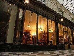 Boutique de luxe  galerie Véro Dodat