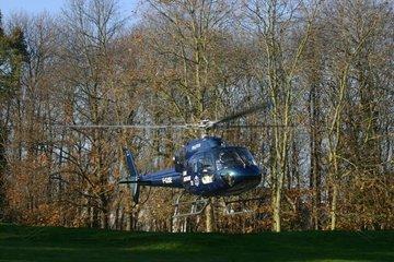 Hélicoptère de transport sanitaire au décollage Dinan France