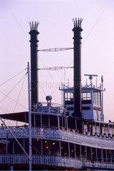 La Nouvelle-Orléans  bateaux à roue sur le Mississipi
