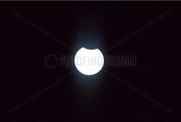 Soleil masqué par la Nelle Lune lors d'une éclipse annulaire