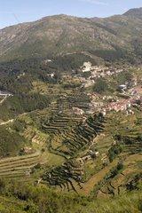 Village blanc au Parque Natural da Serra da Estrela Portugal