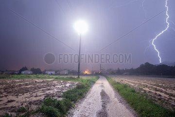 Power line struck by lightning during Cevennes episode
