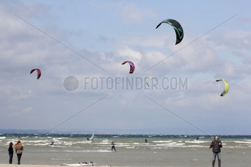 Kitesurfing on Lake Geneva windy - France