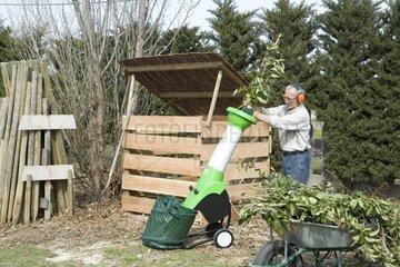 Garden shredder and composting bin Provence