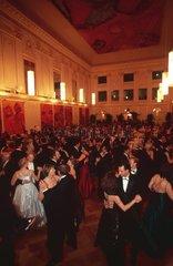 Couples de danseur au bal des Cafetiers  Vienne