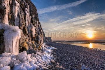 Cliffs of Cap Blanc-Nez in winter  Pas de Calais  France