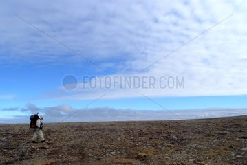 Trek on the peninsula arid of Cape Bathurst Canada