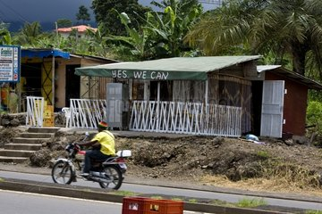 Street bar Yes we can Cameroon