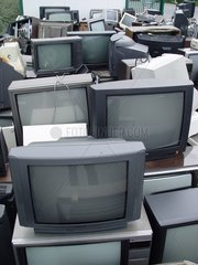 Television sets in a dechettery Mayenne [AT]