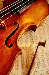 Salzbourg  Mozart  violon et partition de musique de Mozart.