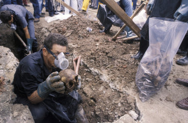 Bones from victims of the militar dictatorship in Brazil murdered in the 1960s and 1970s  buried as beggars in Rio de Janeiro. Grupo Tortura Nunca Mais got judiciual authorization to exhume the cadavers in the 1990s. Civil rights violation  human rig