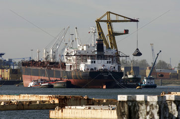 Port of Rotterdam  ships off loading their cargo