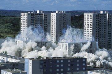 Démolition d'immeubles Val Fourré Mantes la Jolie France 78