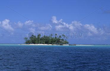 The perfect small island called Motu in Bora Bora in Tahiti in French Polynesia in the South Pacific Rim