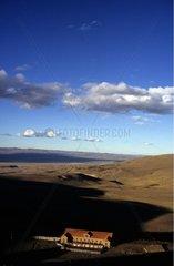 Ferme isolée sur le plateau de Patagonie argentine