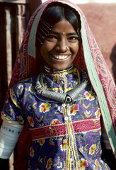NDIA ; Gujarat. The Kutch. Tribal (s.c. scheduled tribes) girl in the village of Ludia.