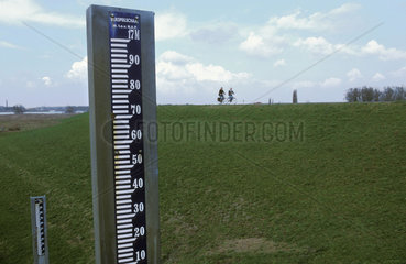 Ooijpolder dike of the river Waal a meter to measure the water level