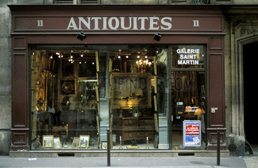 Paris  Carre Rive Gauche  the art district full of galleries and art shops and musea