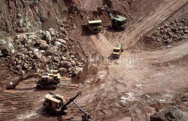 Congo  Mbuji Mayi. Excavators in a diamond mine.