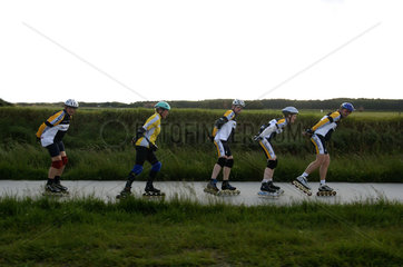 Texel  rollerskating on a bicycle lane