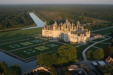 Château de Chambord vu du ciel fin d'après-midi en Septembre