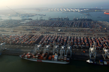 Port of Rotterdam  Maasvlakte  aerial view of the ECT cargo container terminal