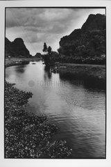 Landscape's Bay Terrestrial Along Hoa Lu Vietnam