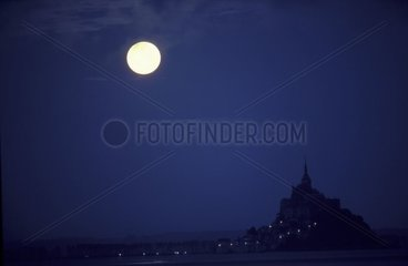 Lay down of Full Moon on the Saint-Michel Mount France