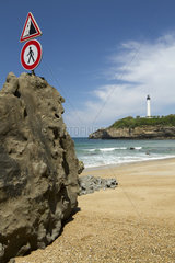 Fall of rocks and coastal erosion  Biarritz lighthouse  Pyrenees-Atlantiques  France