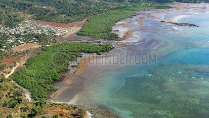 Mangrove et récif frangeant côte sud-est Mayotte