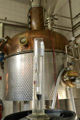 Measure of the degree of alcohol during distillation deau-de-vie