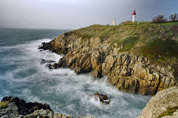 Pointe Saint-Mathieu lighthouse and abbey  Finistere  Brittany  France