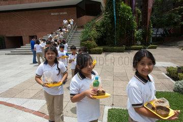 schoolgirls in fron of the Popol Vuh Museum in guatamala city