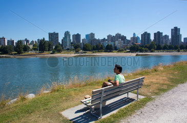 skyline of vancouver city