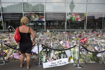 memorial of MH 17 crash at schiphol airport (17 juli 2014)