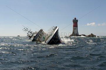 Trawler 'Célacante' aground on reefs Black Stones'