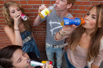Dutch youth drinking energy drinks