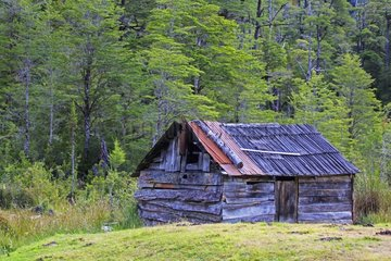 Farmer's old wooden cabin - Patagonia Chile