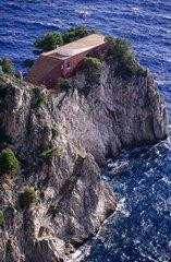 Ile de Capri  les falaises. la ville Malaparte
